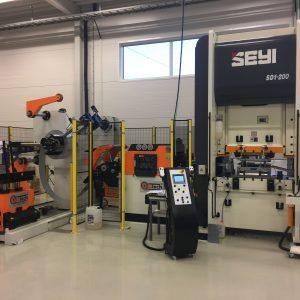 200 Tonn SEYI Servo Presse – Coil Linje for masseproduksjon